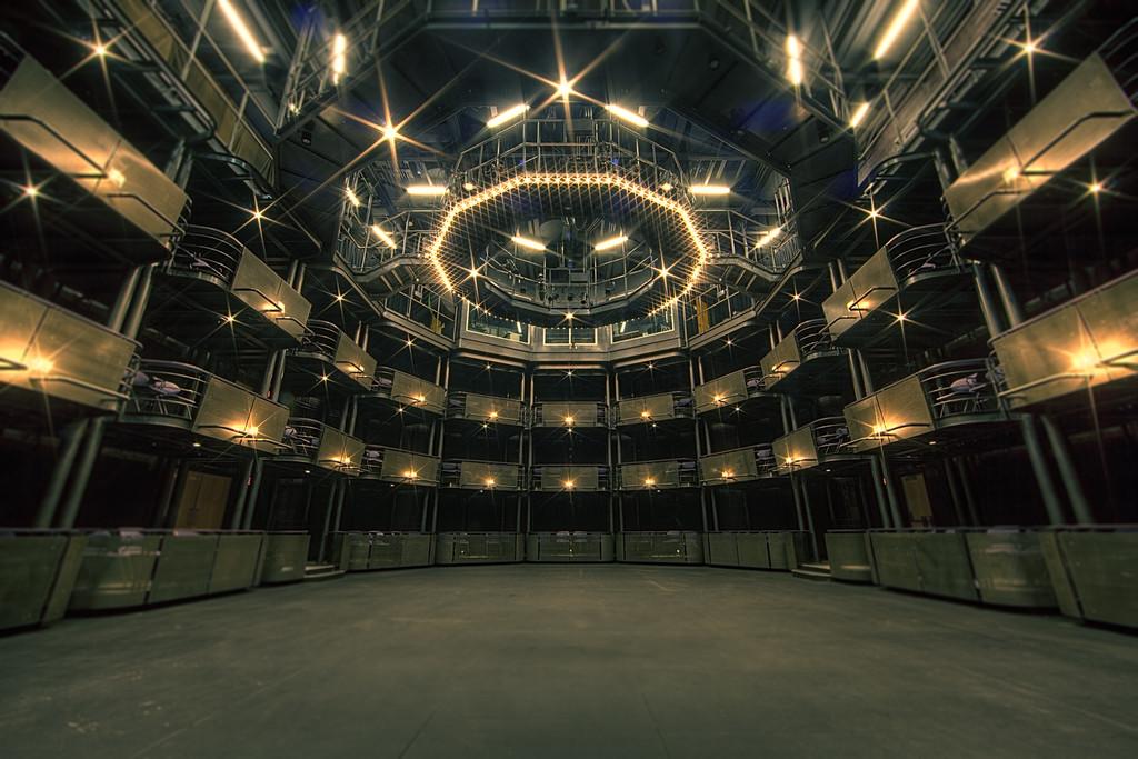 Box theatre